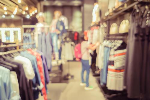 Rayon magasin de vêtement assistant vocal conseiller- Boitmobile, créateur de web à Amiens